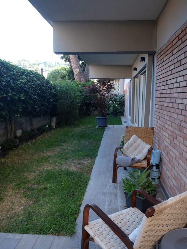 giardino urbano progetto sistemazione del verde prato angolo relax