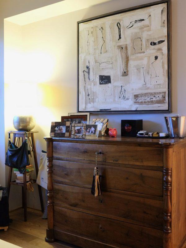 camera padronale cassettone antico quadro moderno accostamenti diversi stile eclettico