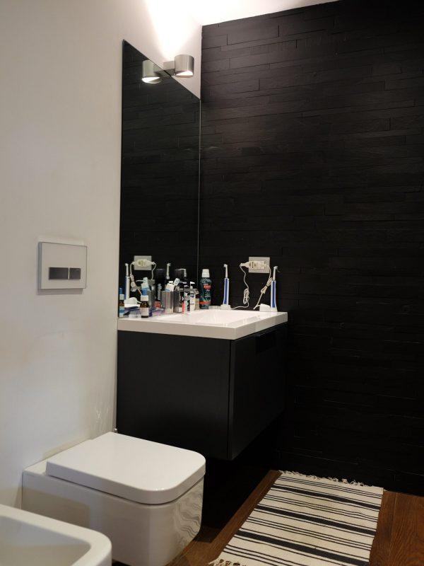 bagno maschile rivestimento pietra naturale ardesia