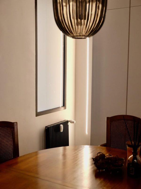 dettaglio soluzione angolo con illuminazione a led incassata nel muro