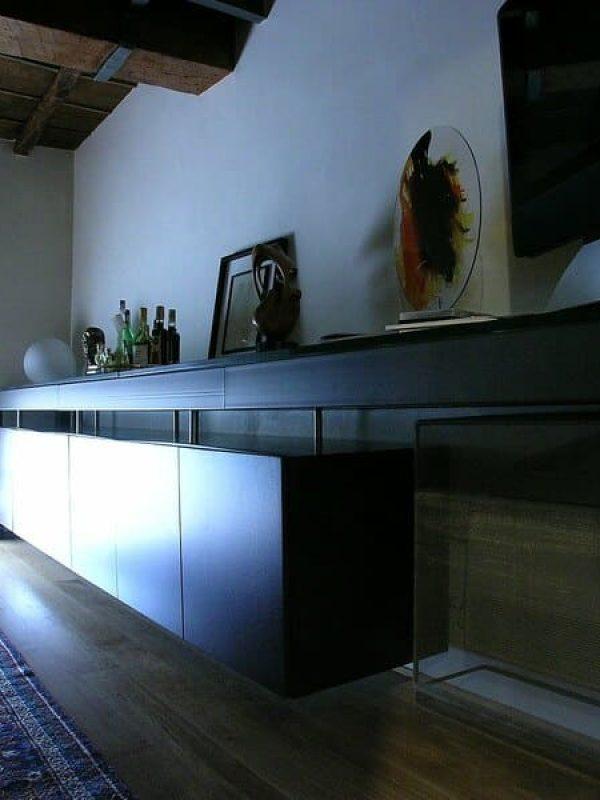 sala da pranzo mobile contenitore realizzato su misura in ferro naturale e legno